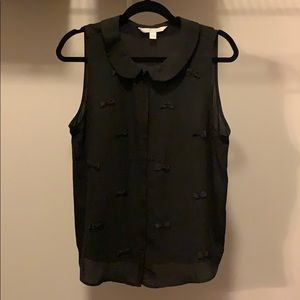 sleeveless button down with bows!